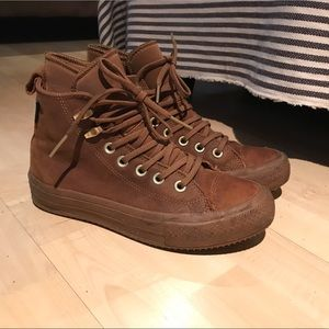 Covers sneaker size 6